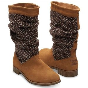 NEW NWOT TOMS SERRA SLOUCHY TAN TEXTILE BOOTS